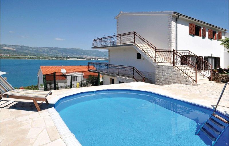 Amazing home in Mastrinka with WiFi, 4 Bedrooms and Sauna (CDT131), location de vacances à Mastrinka