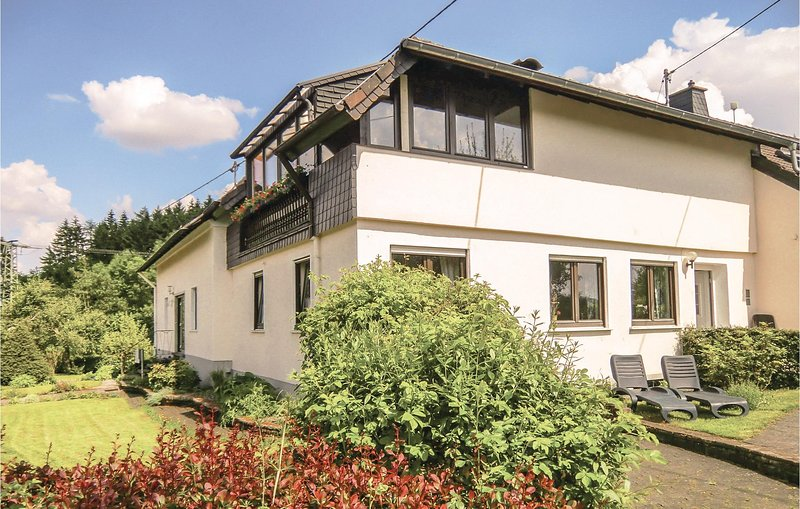 Amazing home in Duppach with 2 Bedrooms (DEI223), holiday rental in Hillesheim