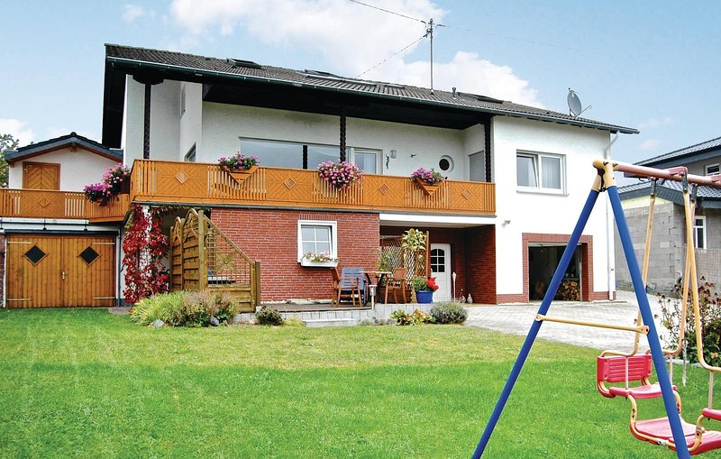 Beautiful home in Reifferscheid with WiFi and 1 Bedrooms (DEI907), vacation rental in Antweiler