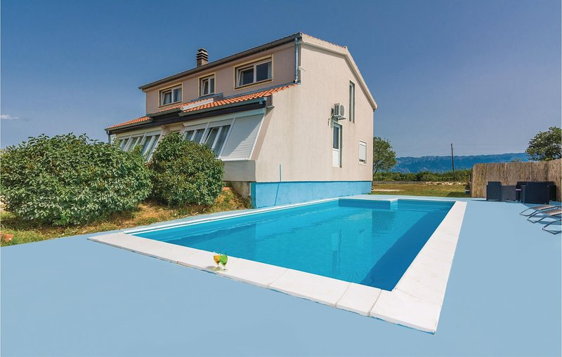 Awesome home in Rupalj with WiFi and 3 Bedrooms (CDA431), holiday rental in Policnik