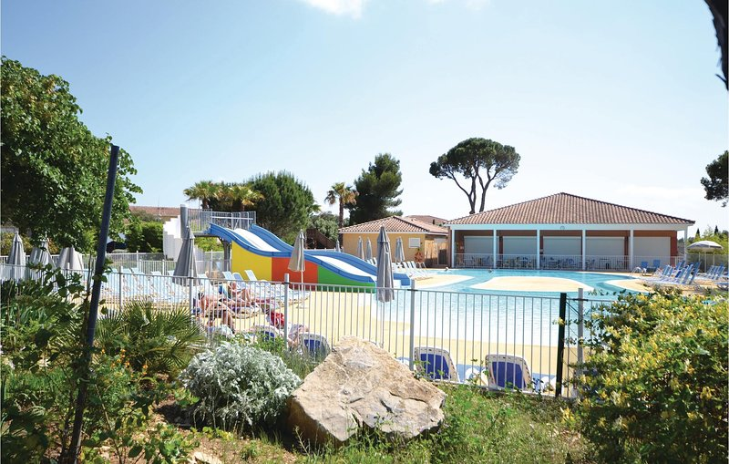 Amazing home in Calvisson with 2 Bedrooms (FLG460), holiday rental in Vergeze