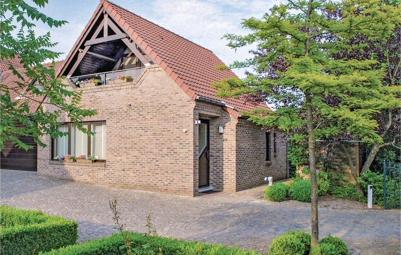 Stunning home in Kinrooi with WiFi and 2 Bedrooms (BLI012), alquiler de vacaciones en Dilsen-Stokkem