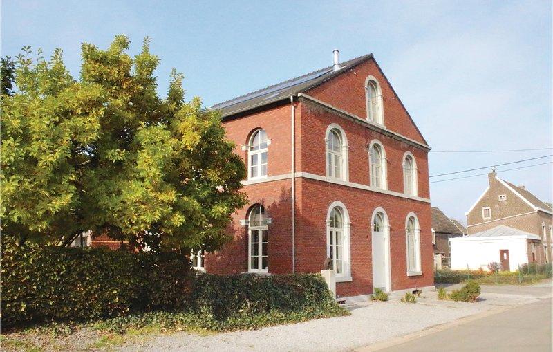 De Oude School (BLU070), alquiler vacacional en Berneau