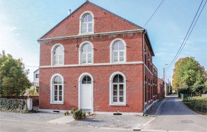 De Oude School (BLU071), alquiler vacacional en Berneau