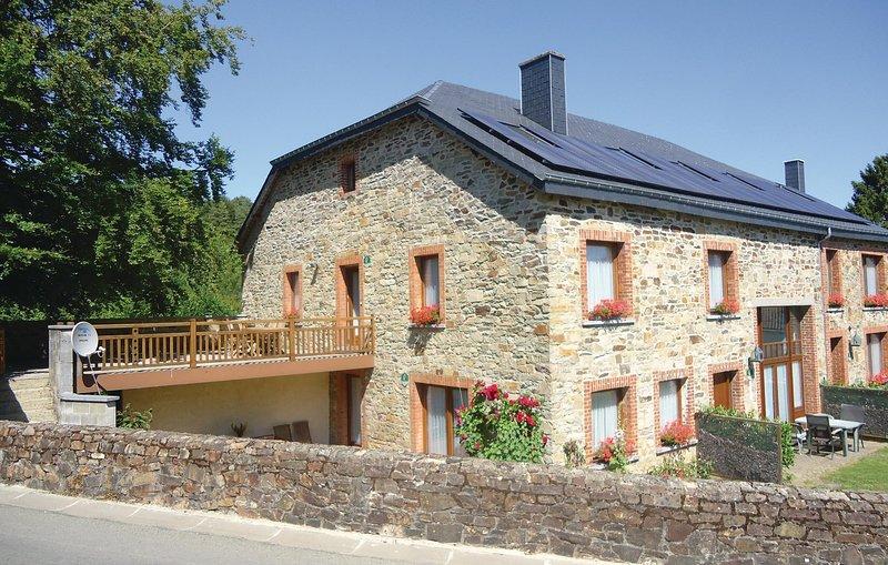 Appartment C (BLX009), location de vacances à Porcheresse