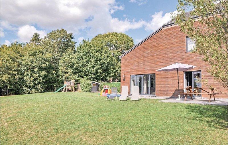 Jardin de Grandhan (BLX041), holiday rental in Grandhan