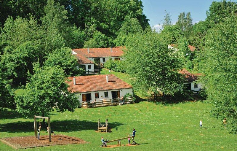 Vallée De Rabais Type A (BLX150), casa vacanza a Izel