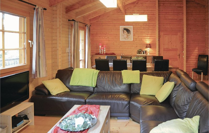 Chalet Madelin (BLX173), holiday rental in Hotton