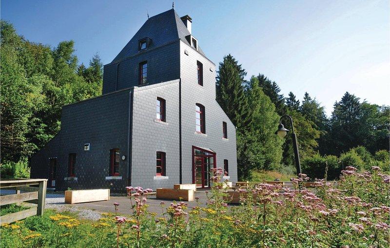 Jachtpaviljoen (BLX174), vacation rental in Nassogne