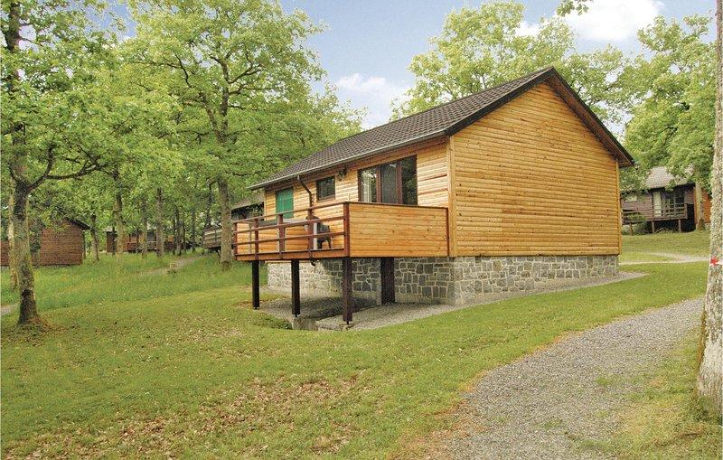 Stunning home in Somme-Leuze with 2 Bedrooms (BNA204), holiday rental in Marche-en-Famenne
