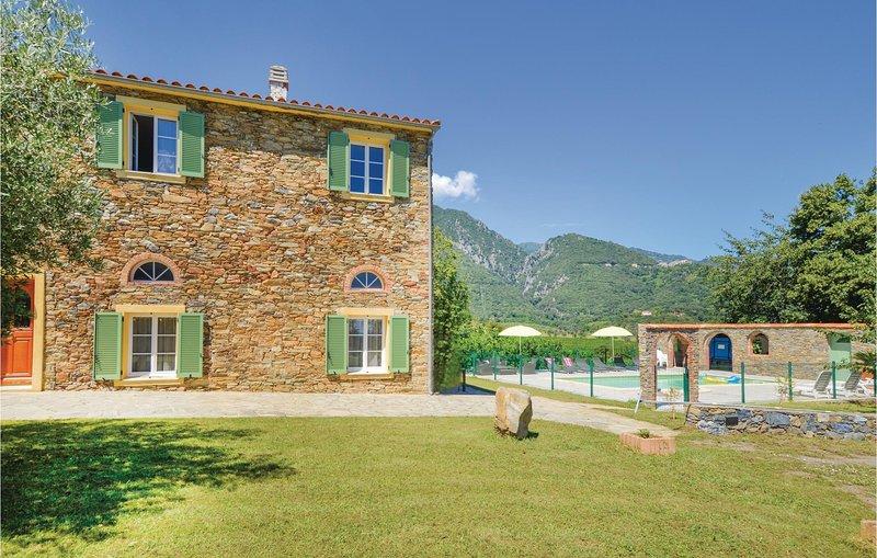 Awesome home in Santa Maria Poggio with WiFi and 2 Bedrooms (FKO344), holiday rental in Santa-Maria-Poggio