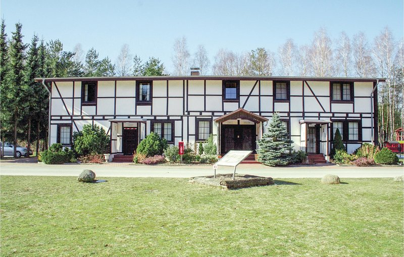 Beautiful home in Faßberg/Heidesee with 1 Bedrooms (DLH203), casa vacanza a Steinhorst