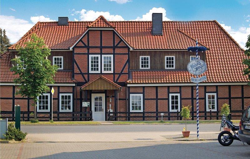 Amazing home in Altenmedingen with WiFi and 3 Bedrooms (DLH116), location de vacances à Lauenburg an der Elbe