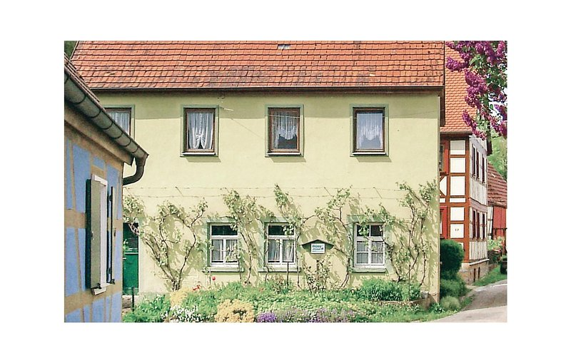 Awesome home in Adelshofen with 3 Bedrooms (DLT100), casa vacanza a Kirchberg an der Jagst