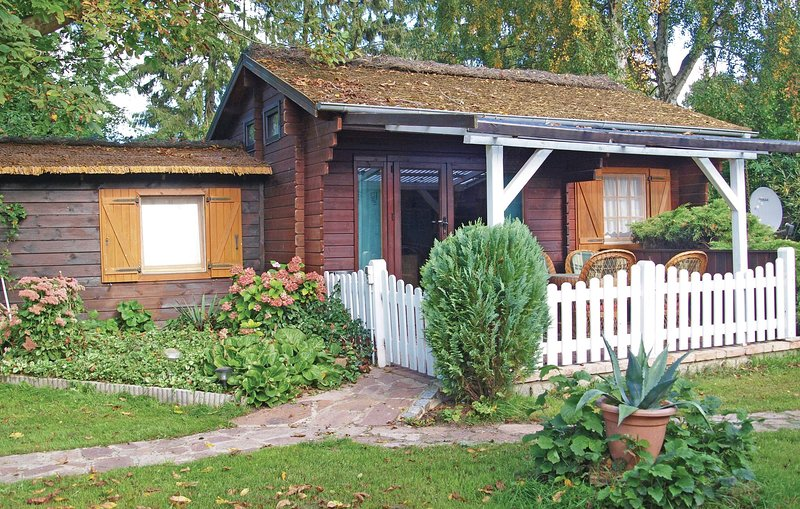Stunning home in Wolgast OT Hohendorf with 1 Bedrooms (DMK135), holiday rental in Neetzow
