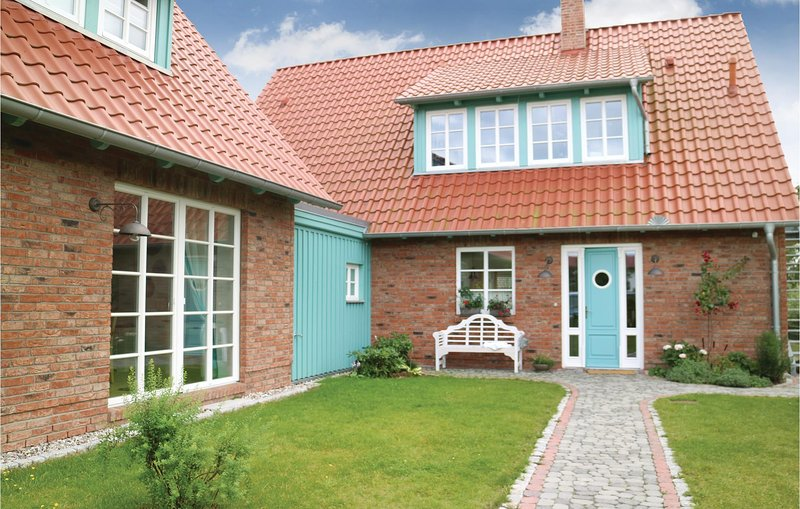 Stunning home in Börgerende with Sauna, WiFi and 2 Bedrooms (DMK175), holiday rental in Borgerende-Rethwisch