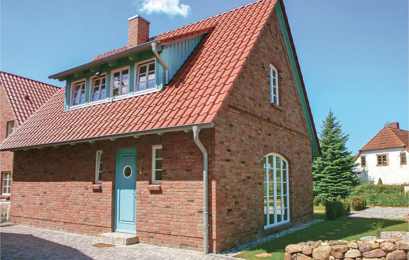 Stunning home in Börgerende with Sauna, WiFi and 2 Bedrooms (DMK225), holiday rental in Borgerende-Rethwisch