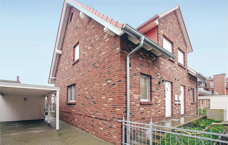 Beautiful home in Insel Poel/Timmendorf with 4 Bedrooms (DMK481), holiday rental in Insel Poel