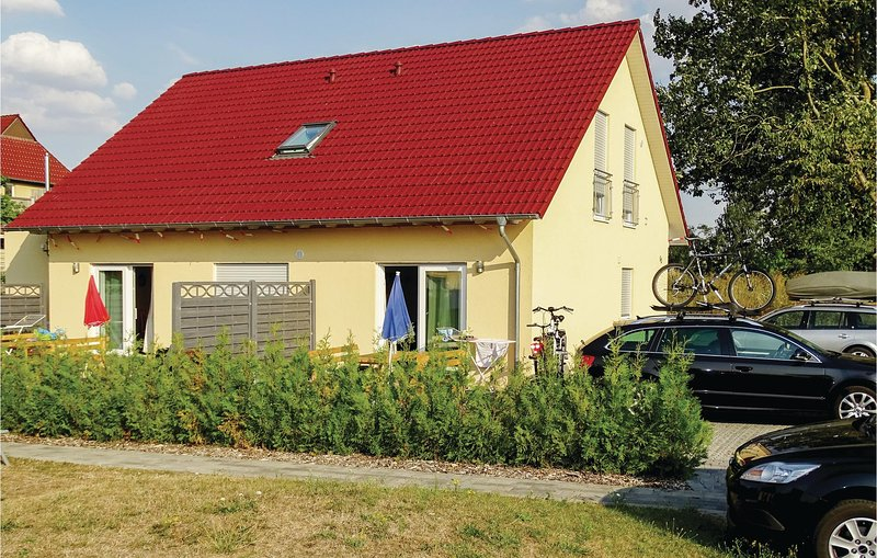 Stunning home in Boiensdorf with 2 Bedrooms (DMK530), holiday rental in Nantrow