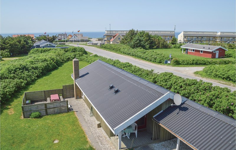 Awesome home in Løkken w/ 2 Bedrooms, holiday rental in Rubjerg