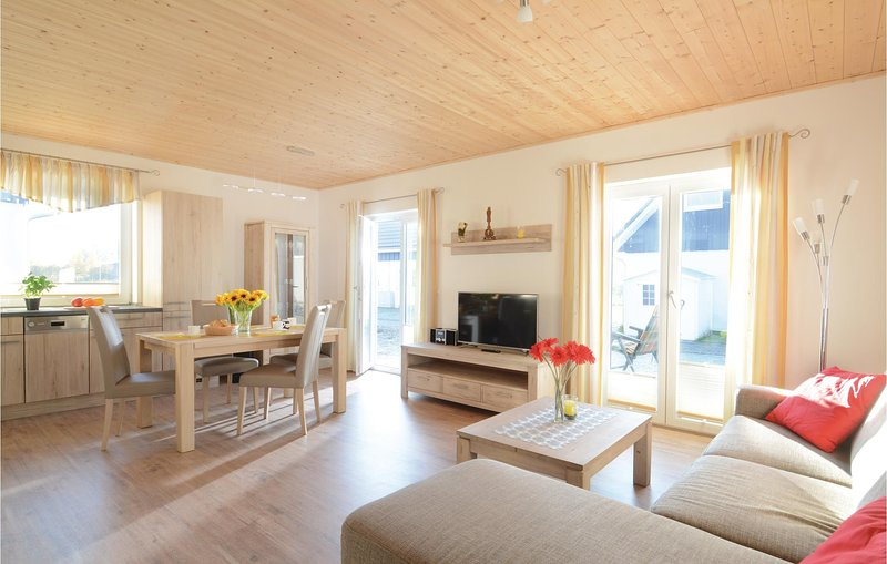 Awesome home in Altefähr/Rügen w/ WiFi and 2 Bedrooms (DMR611), holiday rental in Stralsund