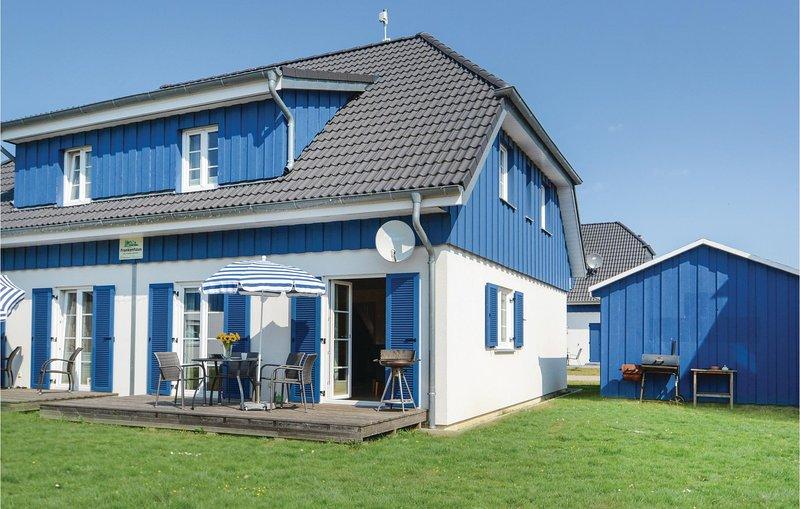Nice home in Altefähr/Rügen w/ 3 Bedrooms (DMR604), holiday rental in Stralsund