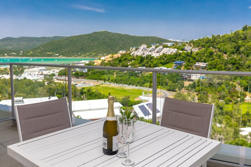 Serenity Views - Airlie Beach, holiday rental in Airlie Beach