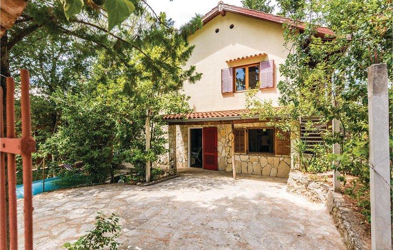 Awesome home in Krusevo with WiFi and 2 Bedrooms (CDA282), alquiler vacacional en Gornji Karin
