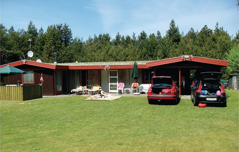 Awesome home in Nørre Nebel w/ WiFi and 3 Bedrooms, holiday rental in Hemmet