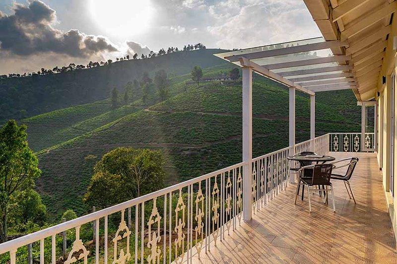 3BHK Yellow Tulip villa in Coonoor, vakantiewoning in Balacola