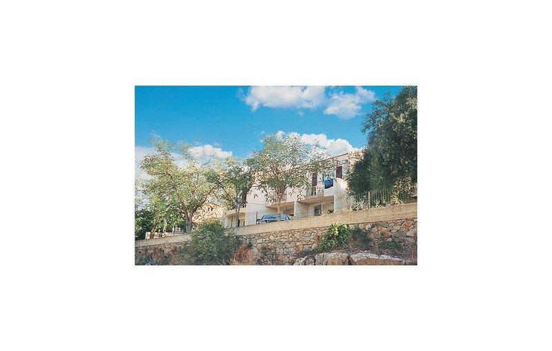 Nice home in Algajola with 0 Bedrooms (FKO114), holiday rental in Algajola