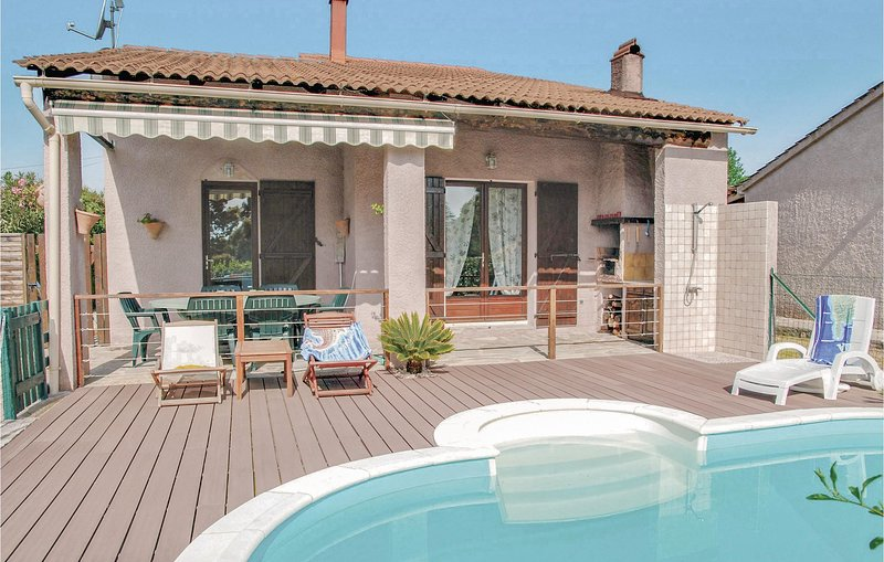 Stunning home in Venzolasca with WiFi and 3 Bedrooms (FKO153), location de vacances à Sorbo-Ocagnano