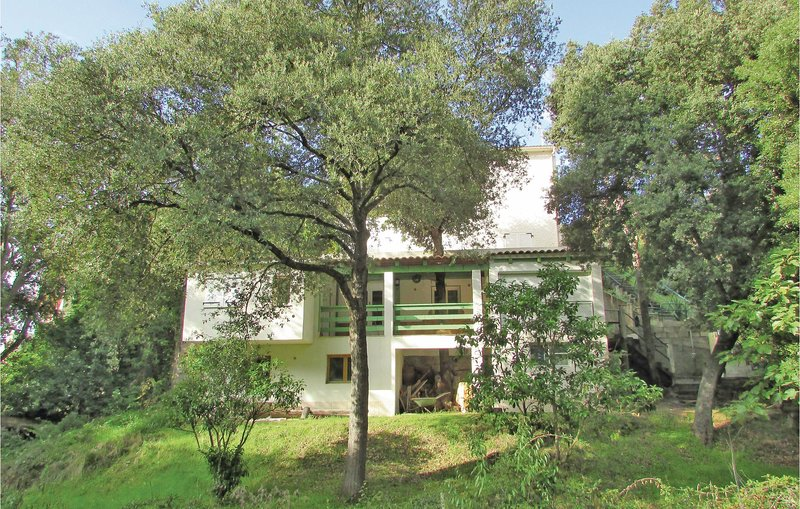 Amazing home in Sagone with 3 Bedrooms (FKO154), alquiler vacacional en Sagone