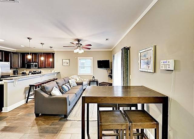 Updated Home   Walking Distance to the Beach & Boardwalk, vacation rental in Myrtle Beach