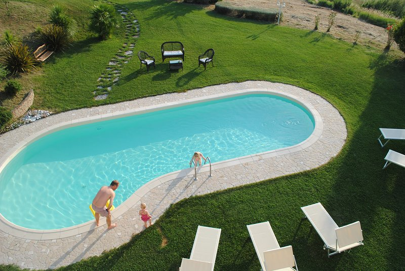 Amazing villa with swimming-pool, holiday rental in Borgo Pace