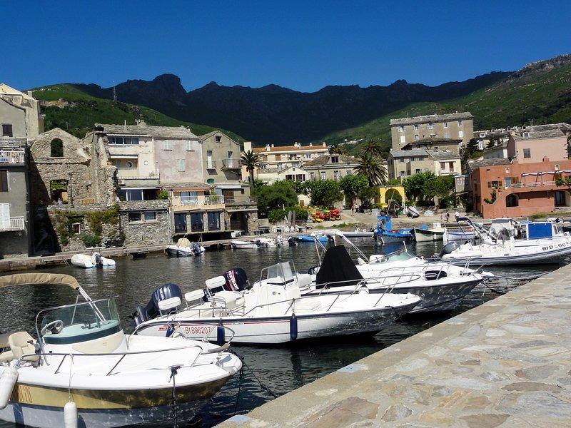 studio au bord de mer  debut cap corse a 300 metres de la mer, vacation rental in Brando