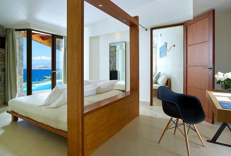 Pissidos Villa Sleeps 4 with Pool and Air Con - 5639530, vacation rental in Katsikia