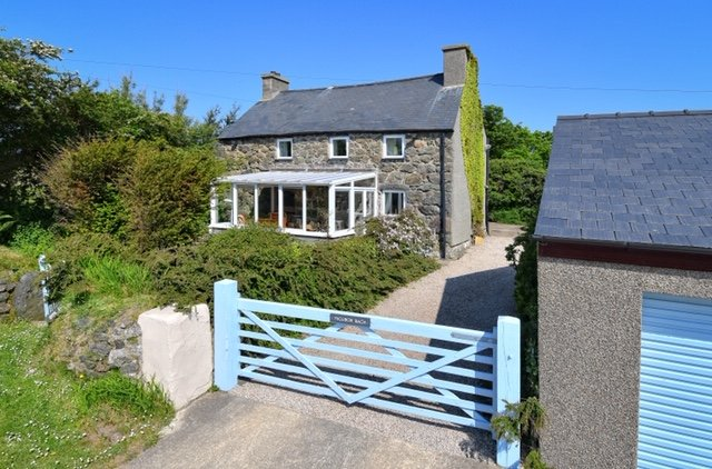 North Wales Traditional Former Farm House, Aberdaron, Llyn Peninsula, Gwynedd, location de vacances à Rhoshirwaun