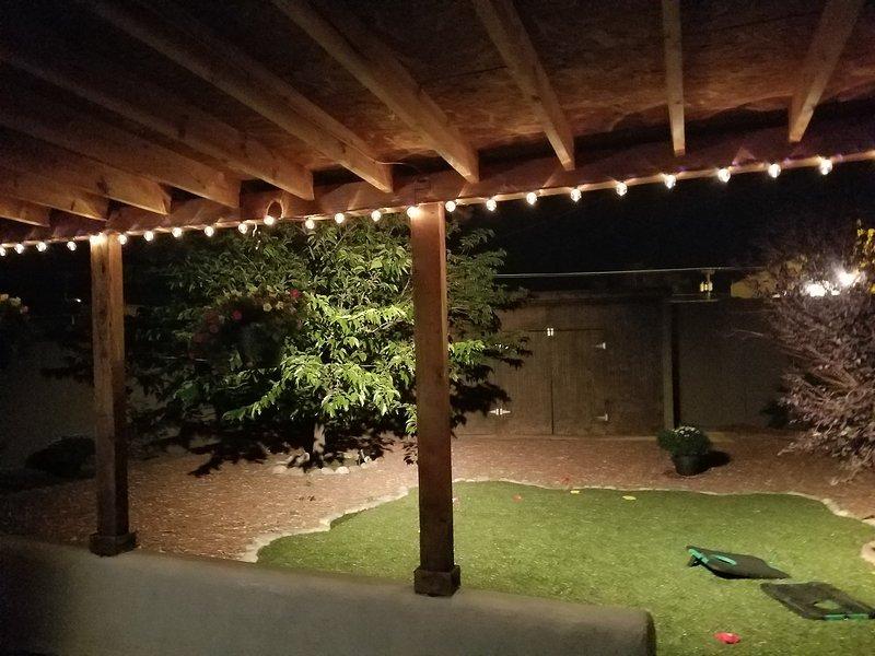 Ampio portale posteriore per intrattenere, cortile privato murato, ben curato