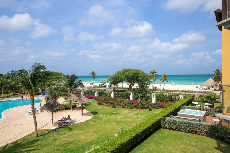 Welcome to your Royal Aquamarine beach view