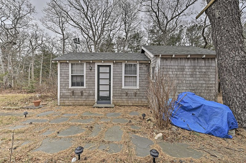 Make this cottage your home-away-from-home and book now!
