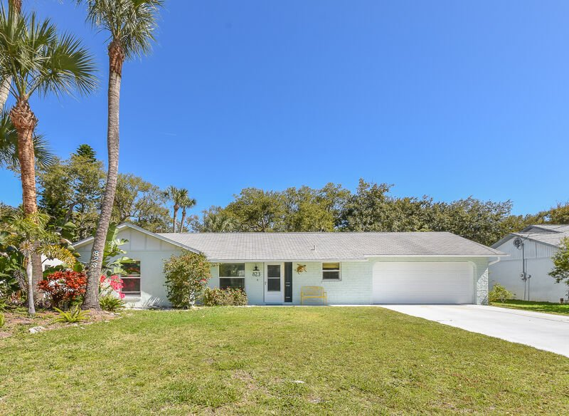 Escape to paradise and enjoy your next vacation in this gorgeous 2 bedroom 2 bath beach side treasure with 2-car garage.