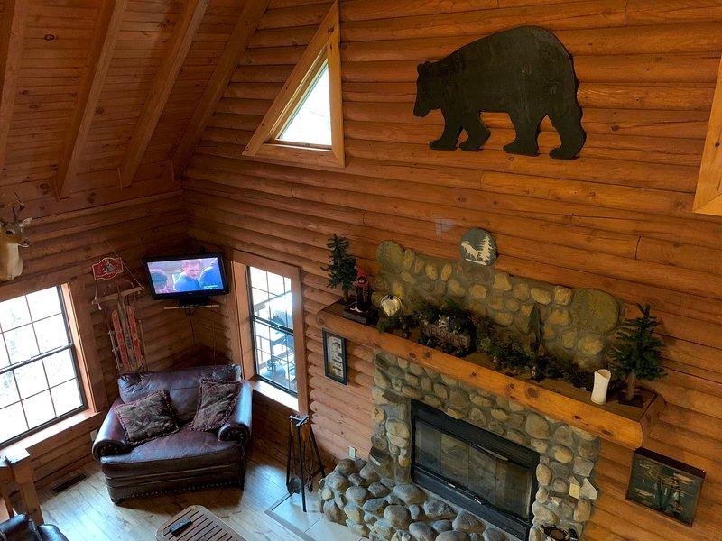 Bear Necessities Lodge near East Port Marina and Dale Hollow Lake Tennessee, location de vacances à Jamestown