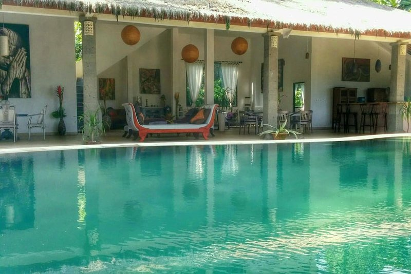 Tropical place of your dreams,pool,tranquil and jungle garden with fruit trees, location de vacances à Mas