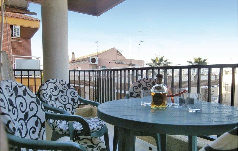 Stunning home in Los Alcázares with WiFi and 3 Bedrooms (ECC565), casa vacanza a El Carmoli