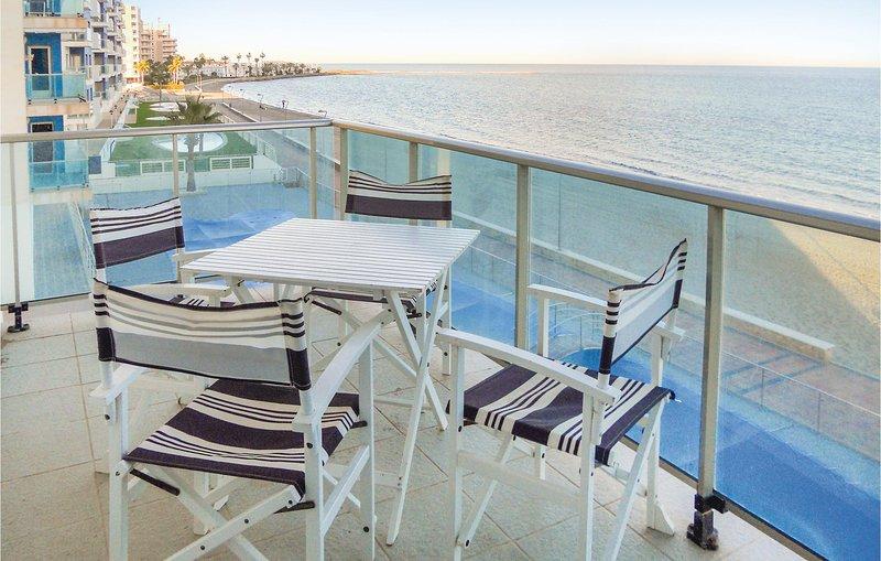 Stunning home in La Manga del Mar Menor with WiFi and 2 Bedrooms (ECC569), aluguéis de temporada em Lo Pagán