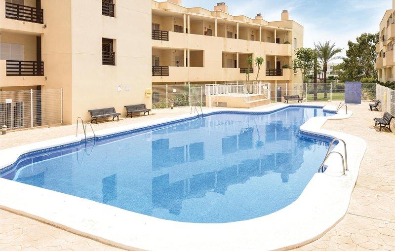 Amazing home in Retamar with 2 Bedrooms (EAM112), alquiler de vacaciones en Cabo de Gata