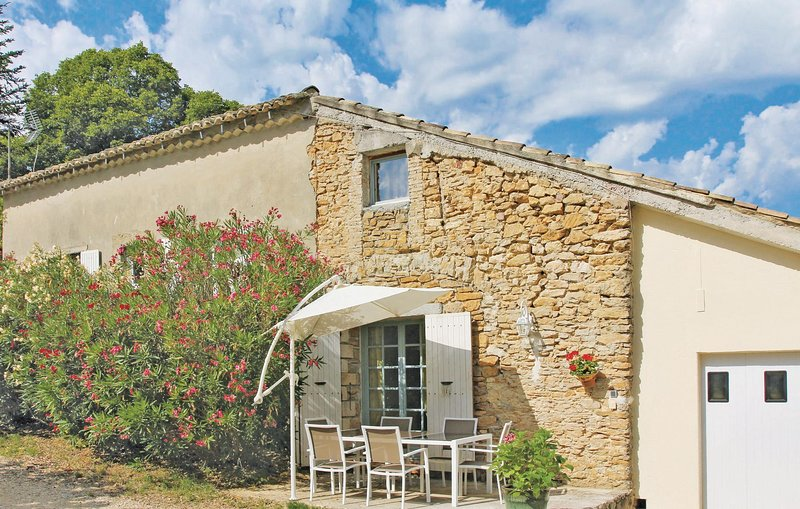 Stunning home in St Andre D´Olerargues with 2 Bedrooms (FLG315), holiday rental in Sabran