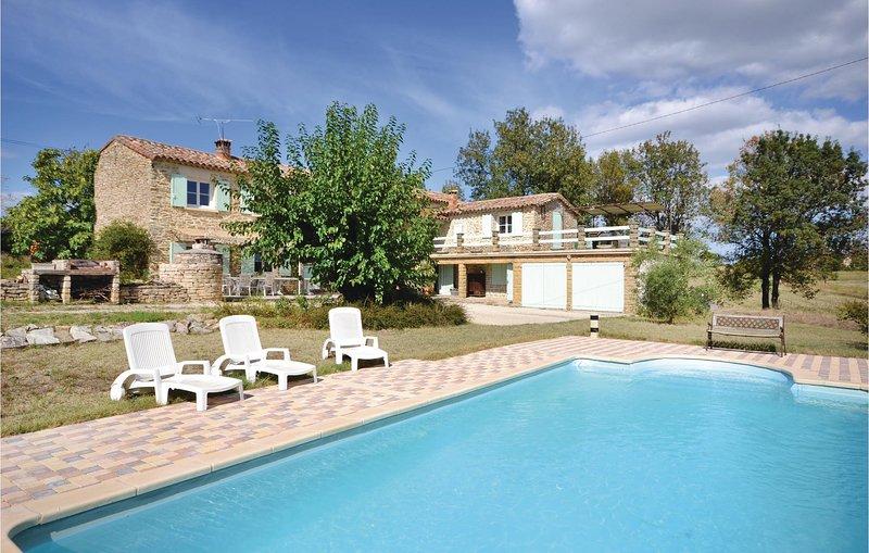 Beautiful home in Bagard with WiFi and 3 Bedrooms (FLG348), aluguéis de temporada em Bagard