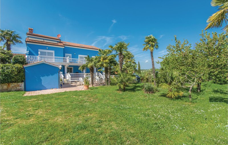 Amazing home in Novigrad with WiFi and 3 Bedrooms (CIU665), holiday rental in Fiorini